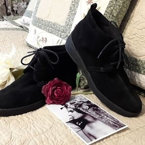 Ked's RELAXED FIT BLACK SUEDE BOOTIES, SIZE 6.5 M